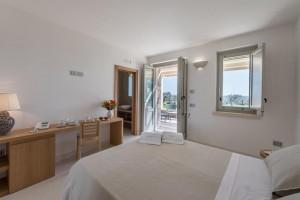 Tenuta-Monticelli-18-Camera-Superior-con-giardino 4385-HDR